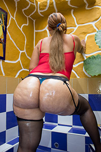 Belinda - Big Bubble Booty